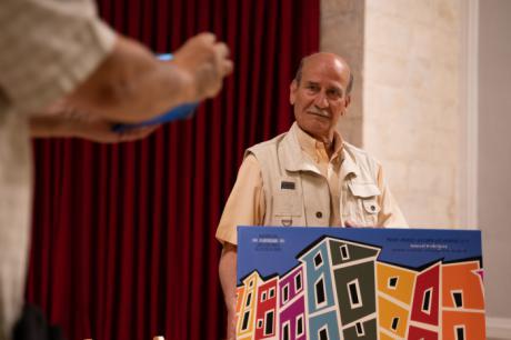 Maese Cosman, clásico de Chupagrifos, recibe el premio Ángeles Gasset por su trayectoria titiritera