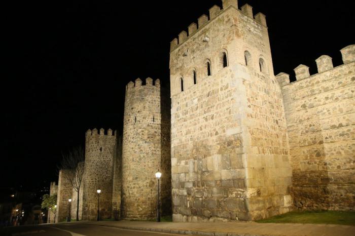 La iluminación artística monumental de Toledo permanecerá activa todas las noches para impulsar el desarrollo económico a través del turismo