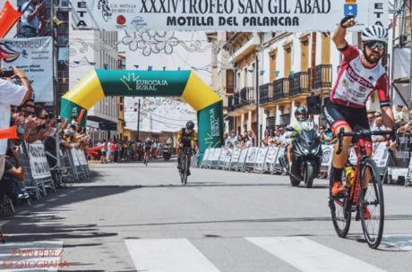 Javier Pérez se adjudica la victoria en el XXXIV Trofeo San Gil de Motilla del Palanca