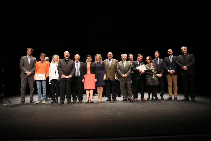 Los XVI Premios Recaredo Rey reconocen la labor realizada por diferentes entidades y toledanos en una gala en el Teatro de Roja