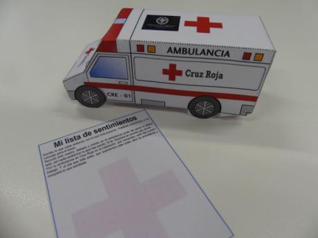 """La ambulancia de Cruz Roja """"acompañará"""" los hogares de los más pequeños en Semana Santa"""