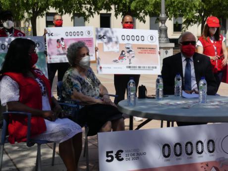 """Se presenta la campaña del Sorteo de Oro bajo el lema """"Contigo es posible cambiar vidas"""""""