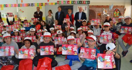 El Servicio de Emergencias 1-1-2 distribuirá 2.000 trípticos para enseñar a los niños de la región a identificar y comunicar una emergencia