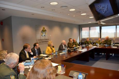 El Consejo General de Enfermería creará una comisión mixta con la enfermería militar para analizar sus particularidades dentro de la profesión
