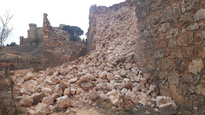 Se hunde parte de la muralla medieval de Belmonte