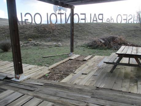 Ciudadanos pide a Page que aclare si la Junta acometerá finalmente el parque temático previsto en el exterior del Museo de Paleontología
