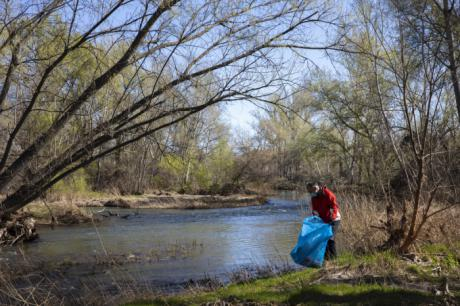 La campaña de ciencia ciudadana de LIBERA caracteriza 3.502 residuos abandonados en entornos fluviales de Castilla-La Mancha