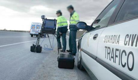 Detenido por circular a 240 kilómetros por hora en la A-40
