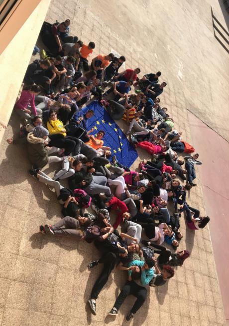 """El IES Juan de Valdés de Carboneras de Guadazaón participa en el proyecto """"Great masterpieces of the European literatura"""""""