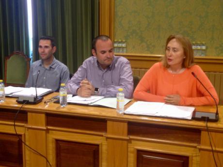 Ciudadanos lamenta que el PP sea el único grupo que se oponga a buscar soluciones que faciliten un aparcamiento gratuito junto al AVE