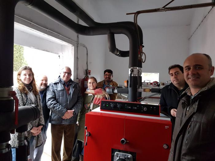 El Ayuntamiento de Huete arregla la calefacción y los patios del colegio