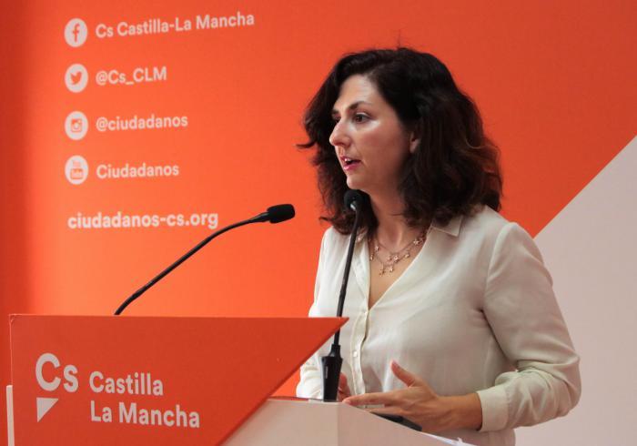 """Orlena de Miguel: """"El PSOE debe de dejar de engañar a los castellanomanchegos. Pedro Sánchez no está negociando los presupuestos con C-LM con Page sino Torra, ERC y EH Bildu"""""""