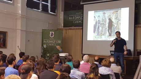 Los alumnos del Alfonso VIII conocen los secretos de la villa romana de Noheda