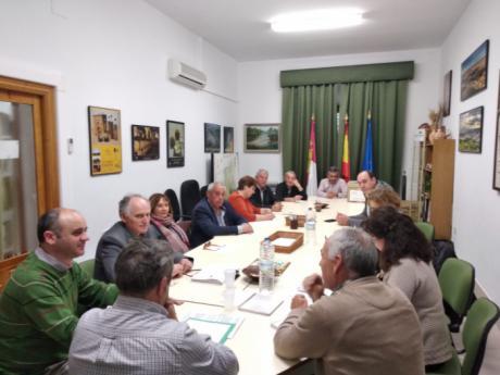 Los Ayuntamientos de la provincia acuerdan solicitar la cesión de los bienes de la Cámara Agraria Provincial