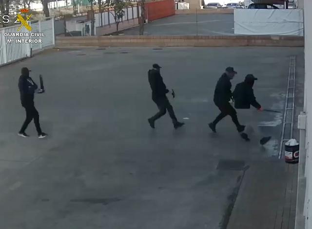 La Guardia Civil esclarece cerca de 80 robos de camiones y polígonos industriales de Madrid, Castilla-La Mancha y Valencia