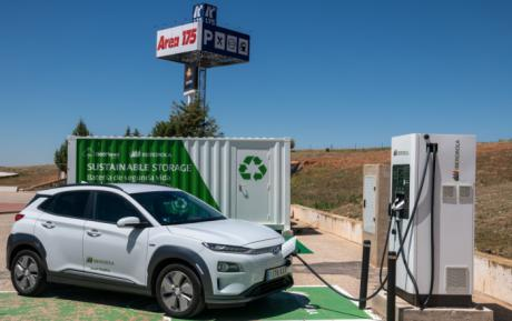 Iberdrola y BeePlanet ponen en marcha los primeros puntos de recarga de vehículo eléctrico alimentados con baterías de segunda vida Atalaya de Cañavate