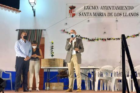 El Ayuntamiento de Santa María de los Llanos reconoce la labor de Comsermancha durante la pandemia
