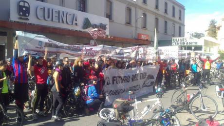 Parte de Valencia a Cuenca una marcha en bici por un ferrocarril sostenible