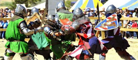 La pandemia aumenta la afición de luchadores de combate medieval
