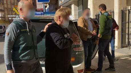 La Guardia Civil detiene a dos personas por varios delitos de robo y hurto en interior de vehículos