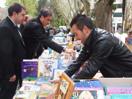 La capital saca los libros a la calle para conmemorar 23 de abril, Día del Libro