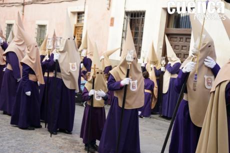El banco de túnicas permitirá desfilar a los hermanos con menos recursos
