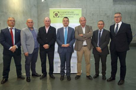 """El Gobierno regional asegura que la próxima legislatura será """"la de la desalación y no la de los trasvases para el riego en el Levante"""""""