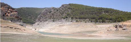 La comarca ribereña se seca, de agua y vecinos, sin alternativa de desarrollo