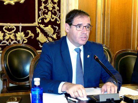 Prieto anuncia acciones legales contra los autores del vídeo y medios de comunicación por difundir la campaña #ASINObenjamín