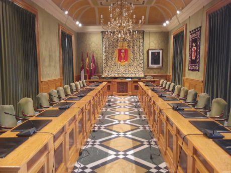 Luz verde para la disolución del Instituto Municipal de Deportes, el Patronato de Promoción Económica y el Instituto Juan de Valdés