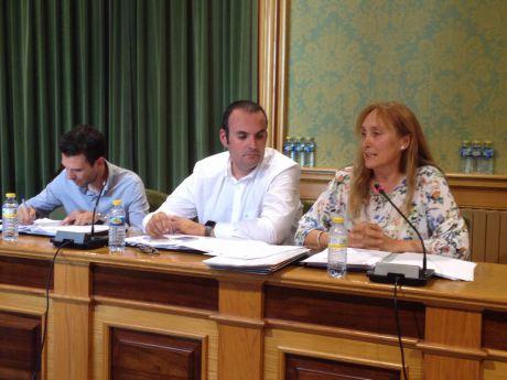 """Ciudadanos pide a Carlos Navarro que se disculpe por afirmar que presentaron una moción """"en contra del honor de la Guardia Civil"""""""