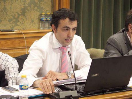 Gómez Buendía reitera que el edificio del Colegio Astrana Marín no se puede ceder porque se está utilizando actualmente como Archivo Municipal