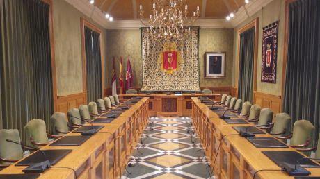 IU insta a Mariscal a cumplir la sentencia y dar información a la oposición