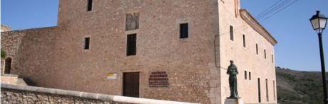 El coleccionista de arte Roberto Polo presenta un fondo de 1.200 obras para agilizar la puesta en marcha de las exposiciones de Cuenca y Toledo