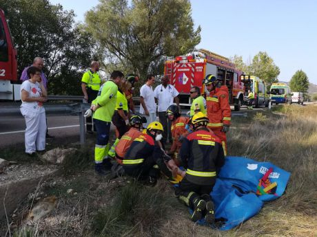 Dos ancianos, heridos graves en un accidente de tráfico en Almonacid