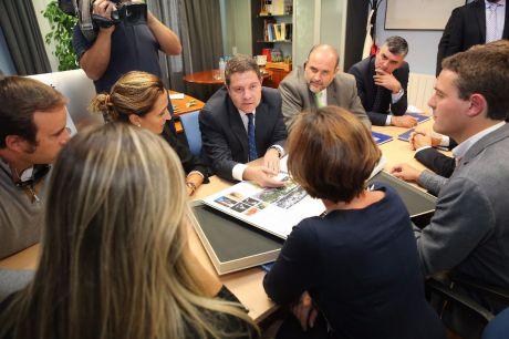 """García-Page: """"Cuenca contará con alternativas urbanísticas que atraigan al turismo y den vida a una ciudad que requiere de inercias"""""""