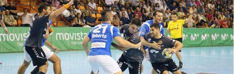 El Ciudad Encantada consigue sacar un punto del Palau d'Esports en un partido igualado (30-30)