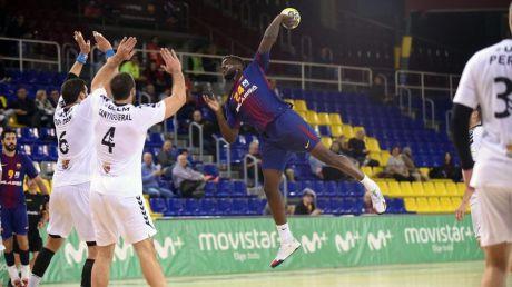El Barça tiene que emplearse a fondo para vencer al Ciudad Encantada (34-27)