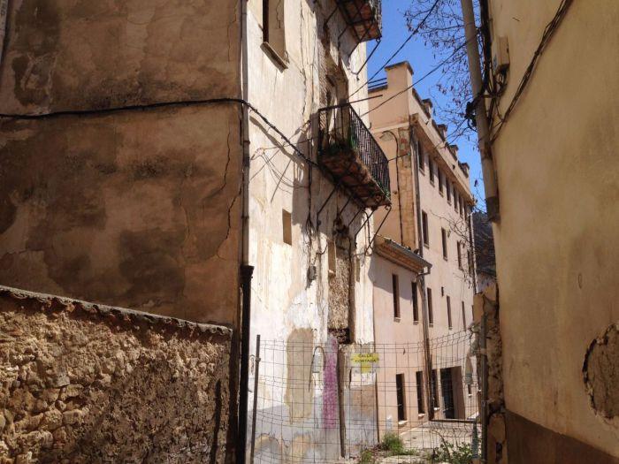 Ciudadanos propone ampliar el aparcamiento de la calle Caballeros haciendo uso del solar que dejará el edificio nº5 tras su derribo