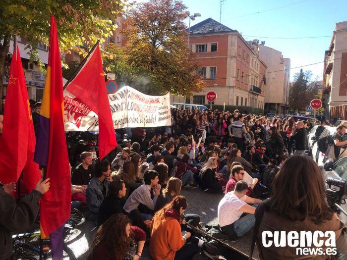 Estudiantes piden a la Junta y a la UCLM un acuerdo 'para salvar la Universidad'
