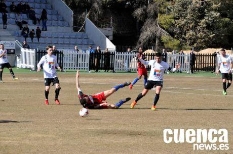 Un Conquense 'in crescendo' vence al Azuqueca con un doblete de Bravo (2-0)