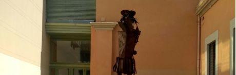Los actos vandálicos destrozan la escultura de Don Quijote en el Centro Cultural Aguirre