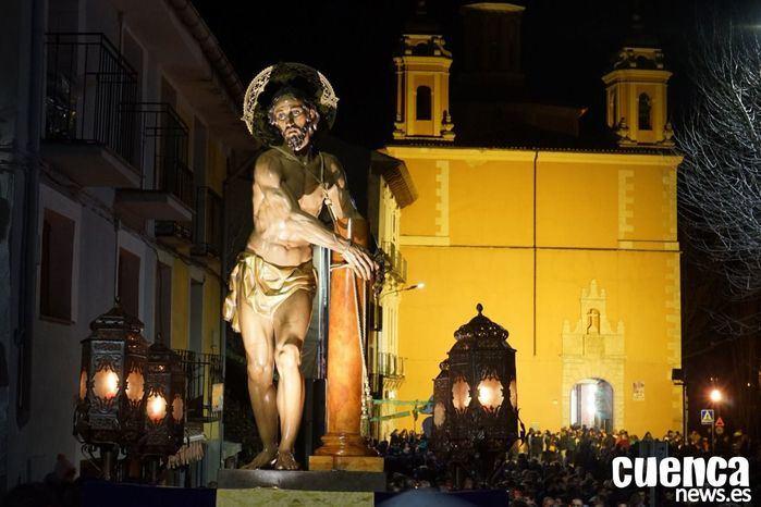 """Olor a incienso, golpear de horquillas, fe y devoción en el Vía Crucis de """"El Amarrado"""""""