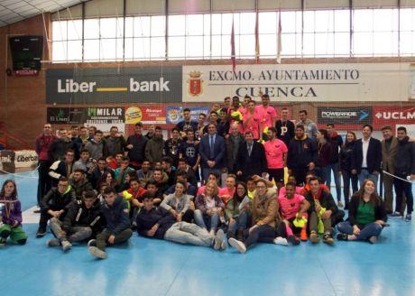 Del Bosque asiste en Cuenca a la entrega de trofeos del V Campeonato Inclusivo de Fútbol