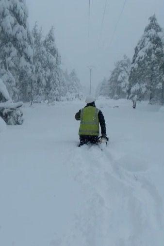 Siguen sin luz varios pueblos de la Serranía de Cuenca debido a la nieve