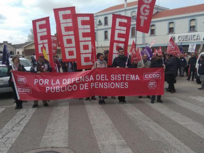 Cerca de 500 personas insisten en reclamar pensiones dignas en Cuenca