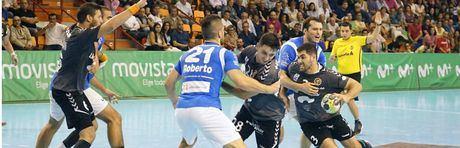 El Anaitasuna gana el duelo al Ciudad Encantada por Europa en un vibrante partido (27-26)