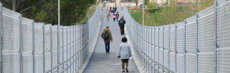 """Detenidos tres jovenes por robo con violencia a un menor junto a la pasarela del parque de """"Los Moralejos"""""""