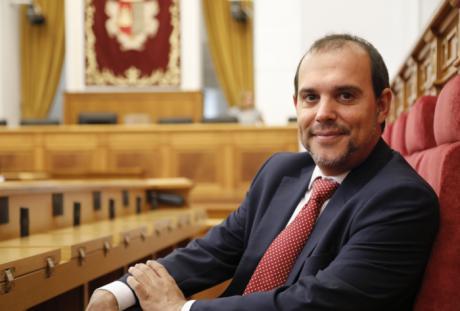 """Bellido celebra el primer año de legislatura con unas Cortes regionales """"más abiertas, accesibles, solidarias e igualitarias"""""""