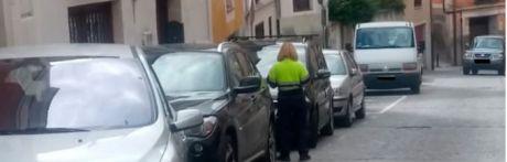 Comienzan a sancionar a los vehículos sin credencial en el Casco Antiguo